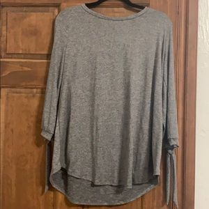 Gray 3/4 length sleeve shirt